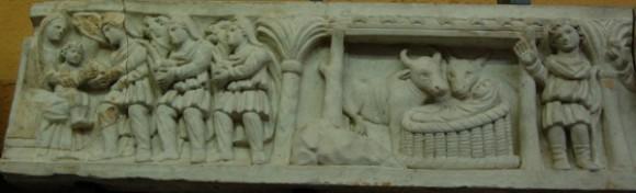 Рождество и поклонение волхвов. Фрагмент саркофага. IV в. Музеи Ватикана, Рим