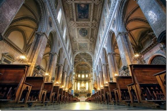 Неапольский собор святого Януария. Фото: lifeglobe.net