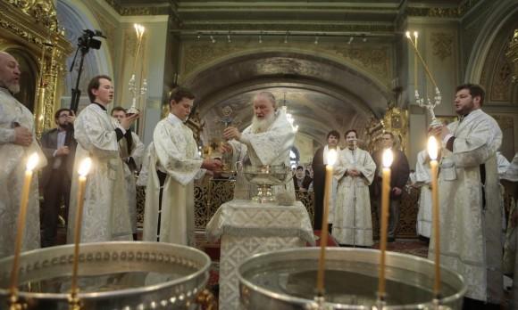 Праздник Крещения в московских храмах (Фоторепортаж)