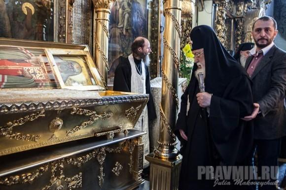 Поклонение честным мощам святителя Тихона, Патриарха Всероссийского