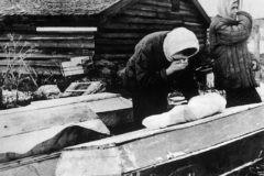 """""""Вокруг храма образовалась громадная очередь ящиков и гробов"""" – показания протоиерея Николая Ломакина на Нюрнбергском процессе"""