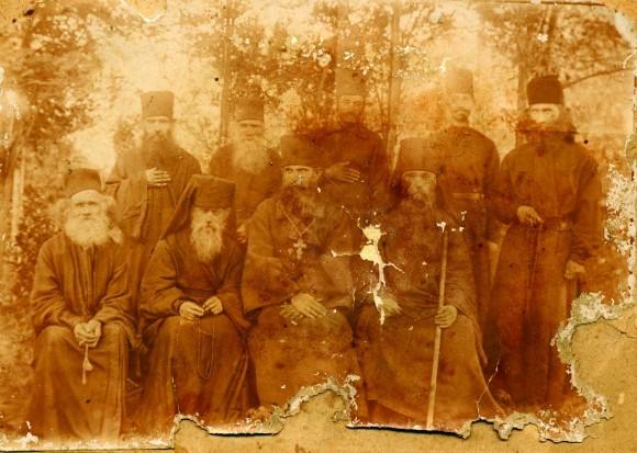 Прп. Алексий с братией обители на «Острове Архангелов»