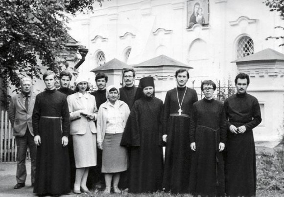 С сокурсниками по семинарии (второй справа), 1987 год. Фото из личного архива протодиакона Андрея Кураева