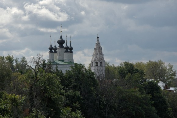 Александровский мужской монастырь (основан в 1240 г.) Воскресенский собор с колокольней (1695 г.)