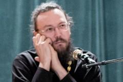 """Протоиерей Павел Великанов: Важно разделять подготовку к причащению прихожан и """"захожан"""""""