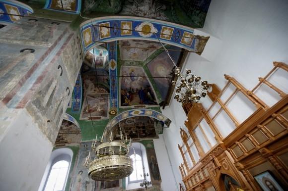 Воскресенская церковь. Внутренние интерьеры
