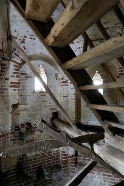 Воскресенская церковь. Лестница на колокольню