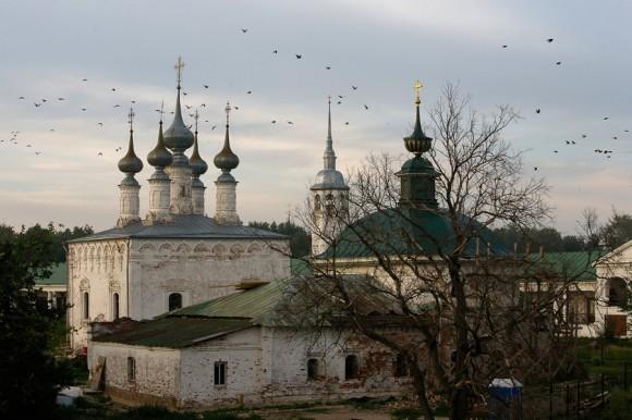 Входо-Иерусалимская церковь (1686 г.) и Пятницкая церковь (1772 г.)