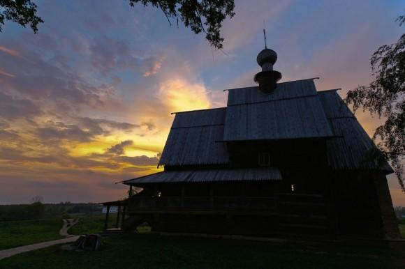 Кремль. Церковь Николы из с. Глотово Юрьев-Польского района (1766 г.)
