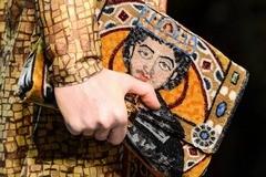 Лик на клатче, или Византия от Dolce & Gabbana