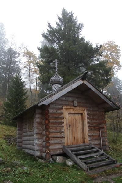 Часовня на могиле святителя Петра (Зверева) на Соловках. Фото: solovki-monastyr.ru