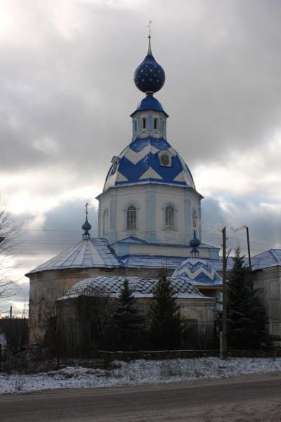Успенский храм в поселке Пестяки