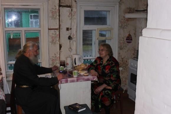 Отец Игорь и матушка Людмила за завтраком
