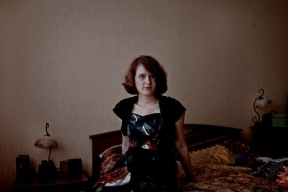 Мария Юркина, русская немка в четвёртом поколении, у себя дома. Бабушка Марии считала себя русской, но говорила по-немецки. Её семья была сослана в Коми в 1945