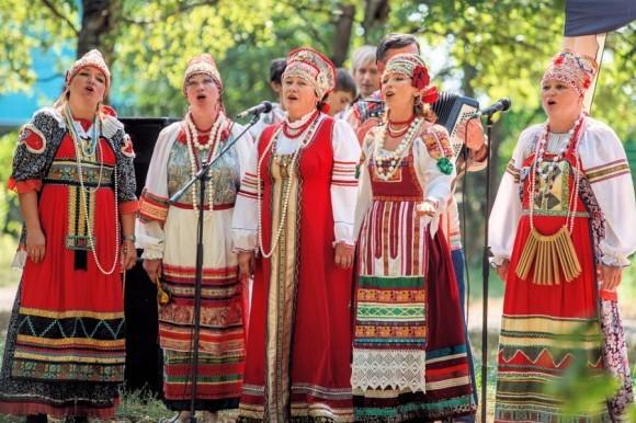 Фольклорный праздник в Угличе