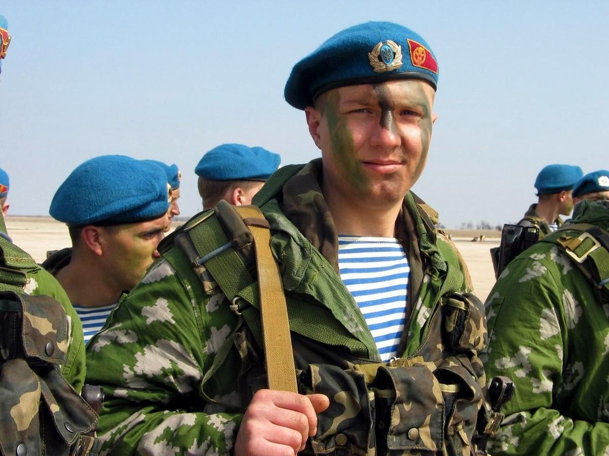 Солдат русский сосёт у офицера 6 фотография