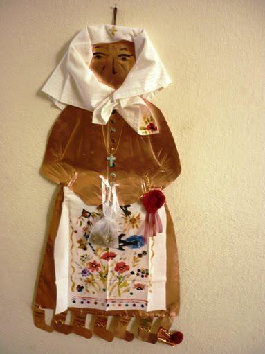 Эту Маму Поста сделали из меди и ткани ученики 4 класса начальной школы из Ливадии (4ου Δημοτικού Σχολείου Λιβαδειάς) фото: 1gpenev.blogspot.com