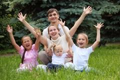 Клуб многодетных. Дети из больших семей в немногодетном мире