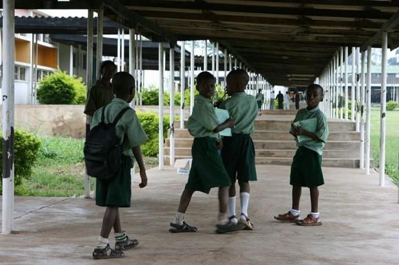 Нигерийские школьники