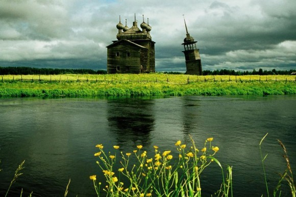 Преображенская церковь 1878 г. постройки села Нименьга. Автор: Телегин Николай