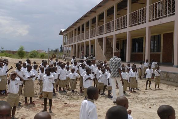 Школьники в Бурунди