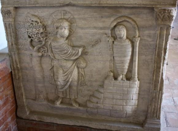 Саркофаг. IV в. Церковь Сан Витале, Равенна, Италия
