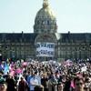 Парламент Франции легализовал однополые браки