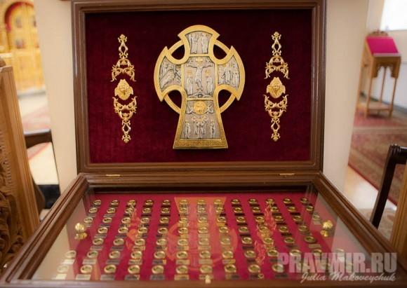 В соборе Всех святых в земле Российской просиявших пребывают частицы мощей многих святых