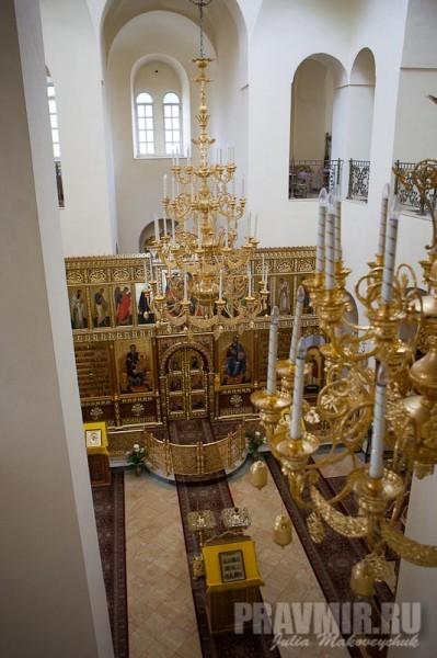 Интерьер собора — вид с хоров