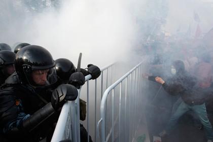 Во время митинга 6 мая 2012 года. Фото: Денис Синяков / Reuters