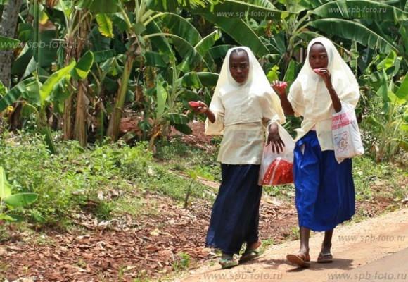 Школьницы Танзании