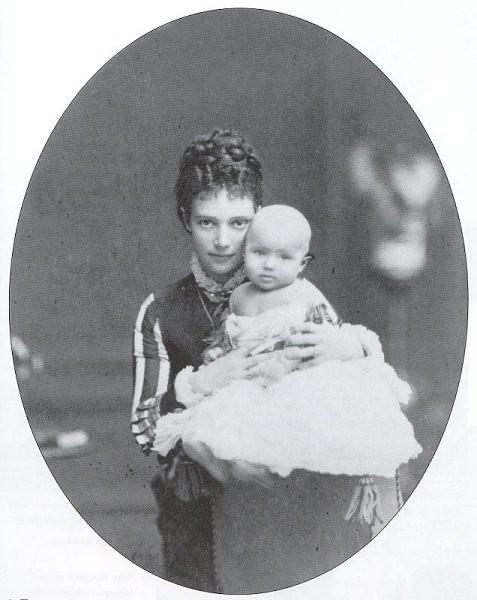 С матерью, Цесаревной Марией Феодоровной. 1868 г.