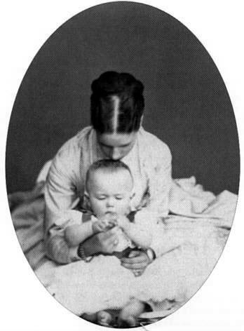 С матерью, Цесаревной Марией Феодоровной. 1868-1869 г