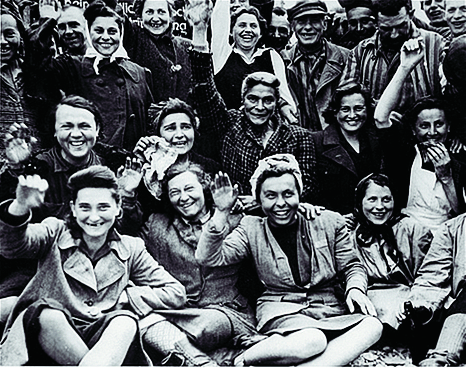 Фото людей в концлагере дахау голых женщин 35138 фотография
