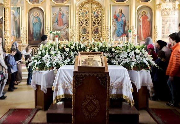 Вынос плащаницы в храме свт. Николая в Кузнецах (32)