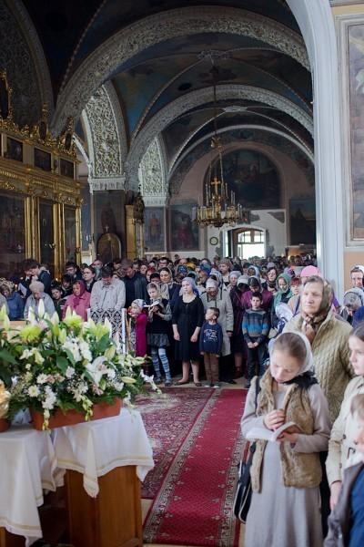 Вынос плащаницы в храме свт. Николая в Кузнецах (28)