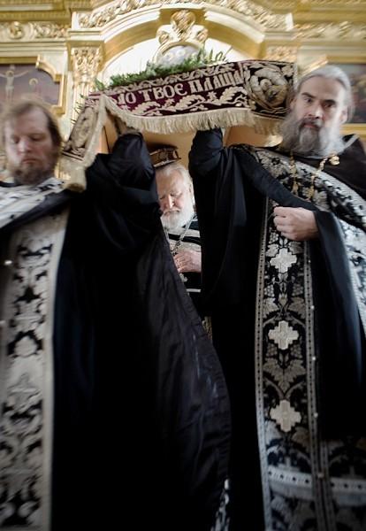 Вынос плащаницы в храме свт. Николая в Кузнецах (24)