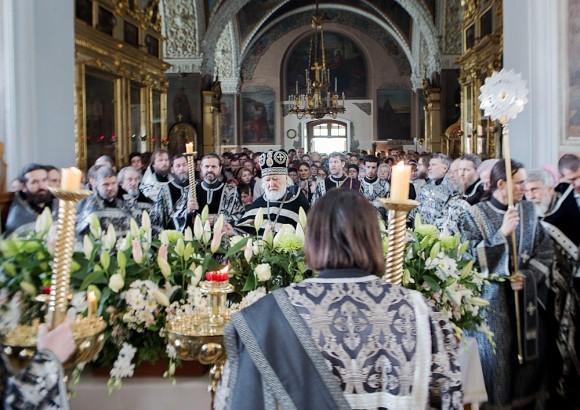 Вынос плащаницы в храме свт. Николая в Кузнецах (22)