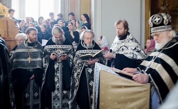 Вынос плащаницы в храме свт. Николая в Кузнецах (19)