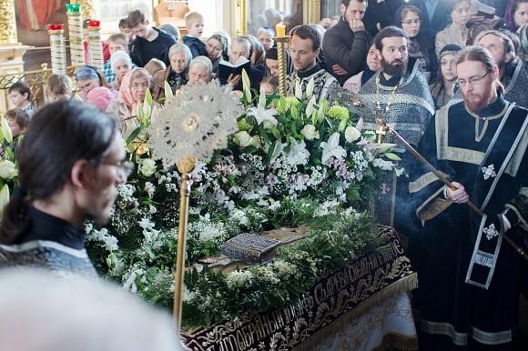 Вынос плащаницы в храме свт. Николая в Кузнецах (16)