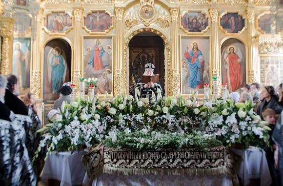 Вынос плащаницы в храме свт. Николая в Кузнецах (14)
