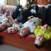 Семьи, усыновившие пятерых детей, получат квартиры в Москве