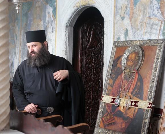 Перед крестным ходом  в монастыре Иоанна Богослова