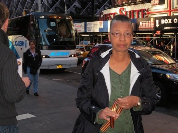 Георгиевская ленточка на улицах Нью-Йорка (7)