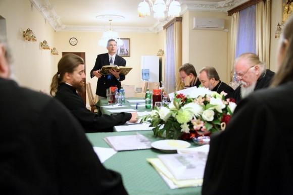 - Прочитайте, пожалуйста, апостольское зачало последней воскресной литургии...