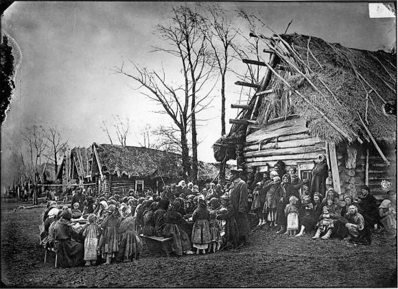 Народная столовая в деревне ПралевкеЛукояновского уезда. 1891-1892 гг. Негатив 18х24 см