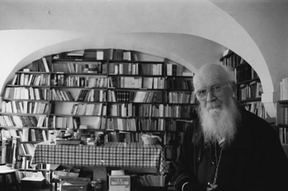 Библиотека, кабинет отца Джона и комната для чаепитий