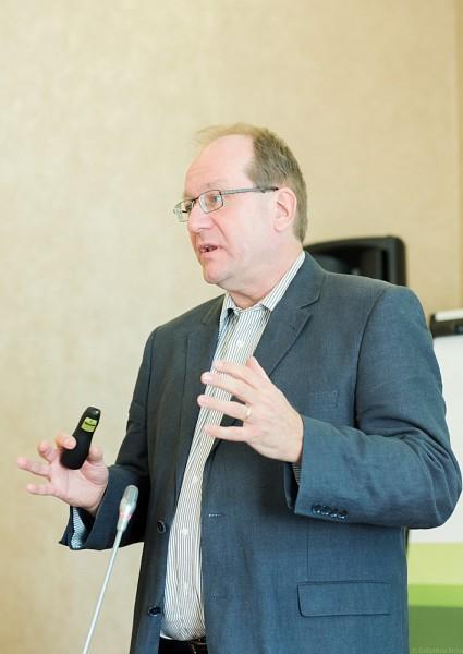 Руководитель отдела пасторских СМИ при службе церковного душепопечительства епархии епископа, г. Фрайбург д-р Норберт Кебекус