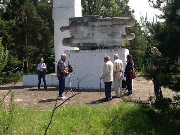 Памятник на кладбище военнопленных в Польше
