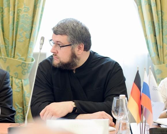 Священник Александр Васютин, сотрудник секретариата по межхристианским отношениям ОВЦС МП